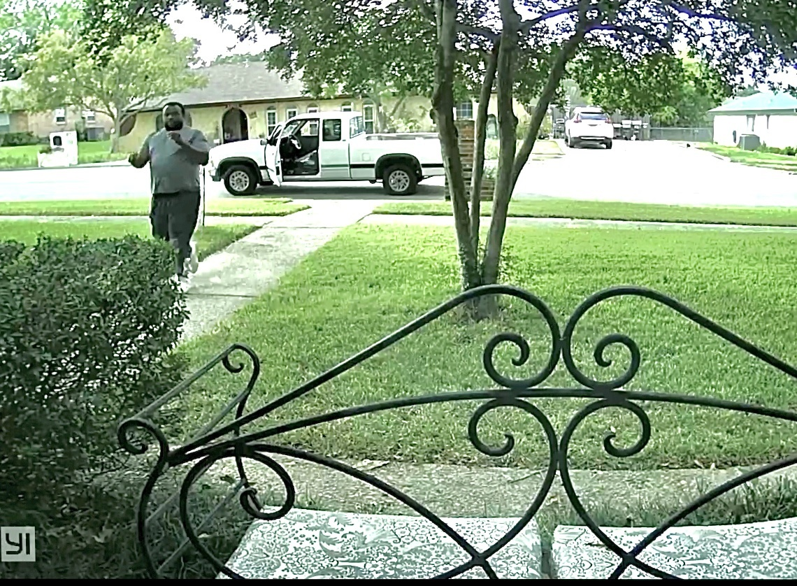 Killeen Police Needs Your Help Finding a Package Thief