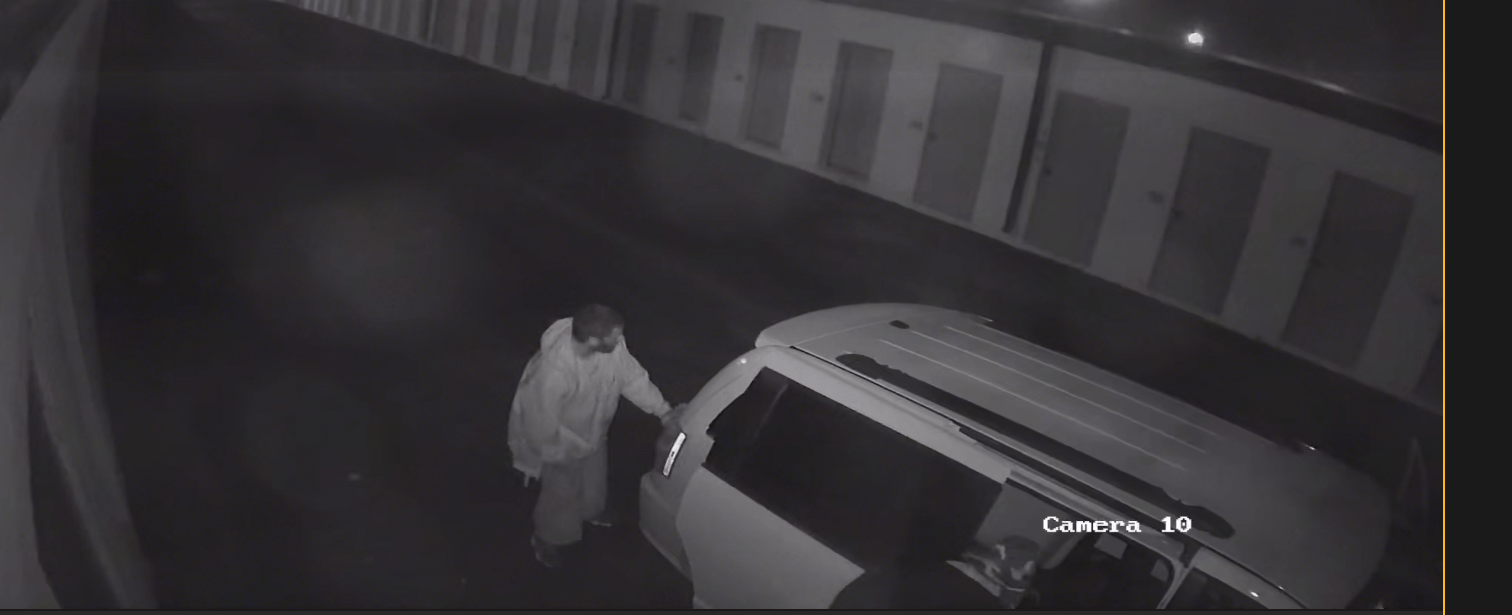 Killeen Police Need Your Help Identifying Two Thieves